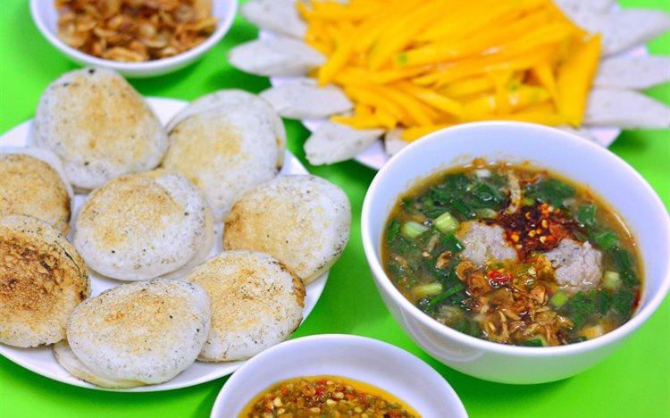 Bánh căn lọt top danh sách món ăn ngon ở Đà Lạtđược yêu thích nhất
