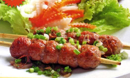 Nem nướng một trong những món ăn được ưa thích nhất tại Đà Lạt
