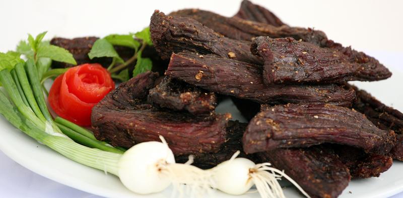 Thịt trâu gác bếp đặc sản Tây Bắc