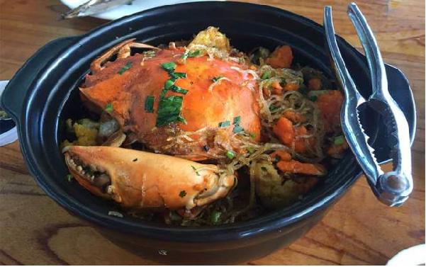 Cua biển quán - nhà hàng hải sản Đà Nẵng làm mê lòng du khách