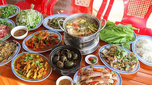 Thưởng thức hải sản tại Đà Nẵng