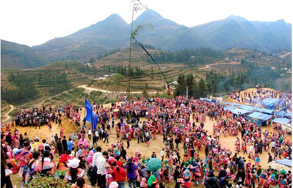 Nét văn hóa độc đáo trong lễ hội Gầu tào của người Mông