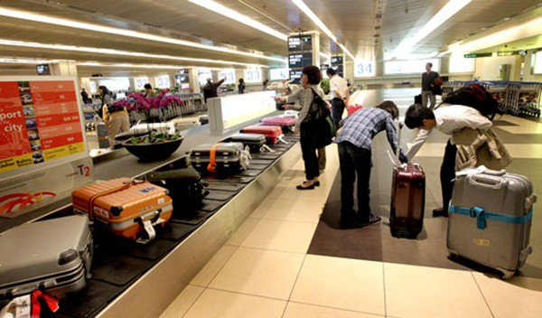 Những điều cần lưu ý bạn đang ở sân bay và chờ bay