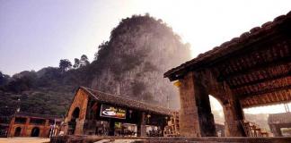 Choáng ngợp bởi khung cảnh của Phố Cổ Đồng Văn Hà Giang