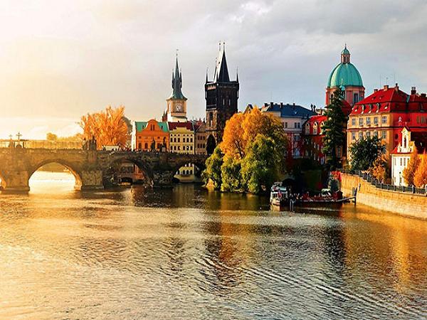 Chia sẻ kinh nghiệm du lịch Châu Âu tự túc chi tiết, giá rẻ