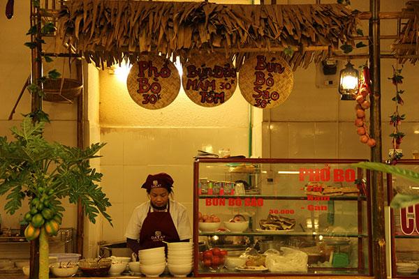 Nét mới lạ của khu ẩm thực truyền thống ở Đà Lạt