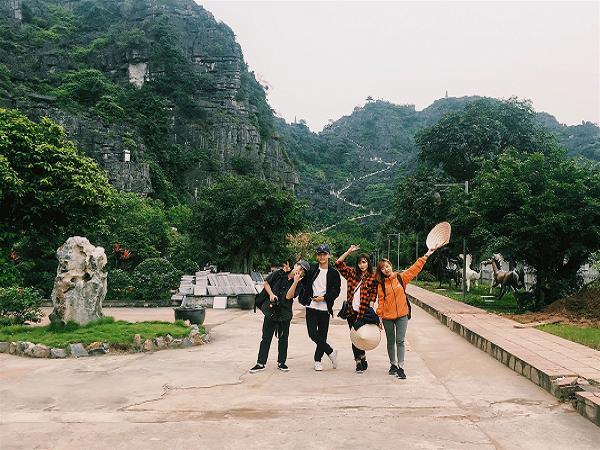 Phượt hang múa Ninh Bình