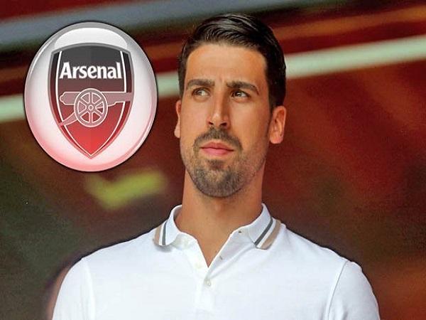 Arsenal sắm Khedira, MU bất ngờ mua Ruben Dias