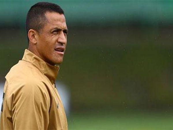 Ronaldo muốn giải cứu Sanchez khỏi M.U